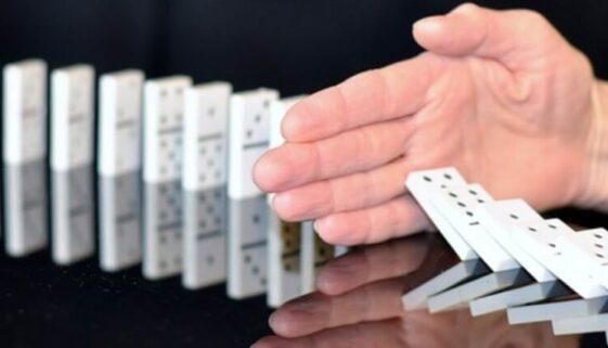 Dominokette unterbrechen